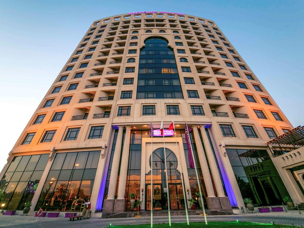 Mercure Grand Hotel Seef / All Suites - Accommodation Bahrain